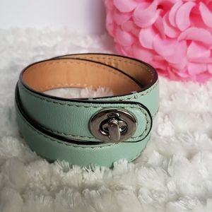 Coach🌸 EUC Double Wrapped Turnlock Teal Bracelet